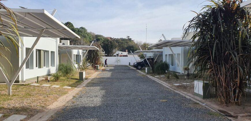 HOUSING PINAR DE CABRERA UNIDADES DE 2 DORMITORIOS A 400 METROS DEL CENTRO DE VILLA ALLENDE